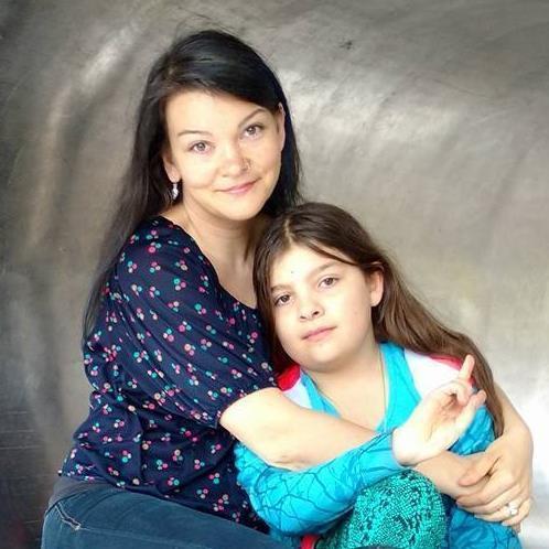 jessica-with-samantha-photo